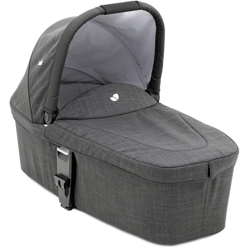 joie_chrome_carrycot_pavement