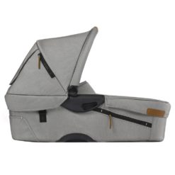 mutsy evo urban nomad carrycot light grey