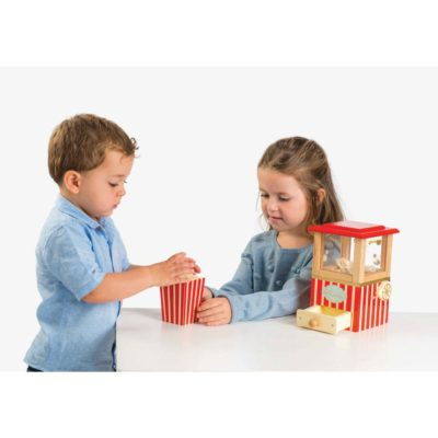 Le Toy Van Popcorn Machine 4
