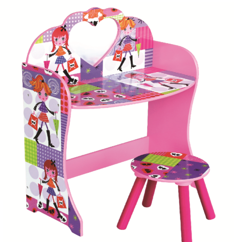 fashion-girl-dressing-table