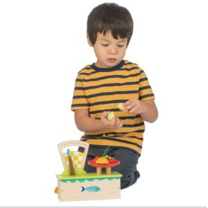 Tender Leaf Toys Wooden Scales with Fruit1